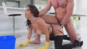 Erotic shape—teaching for young wife Keisha Grey - cheating in kithen!