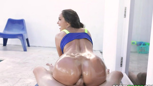 Sporty babe Sofi Ryan bouncing her oiled ass riding cock reverse cowgirl!